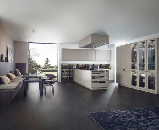Выбор между покупкой дома или квартиры